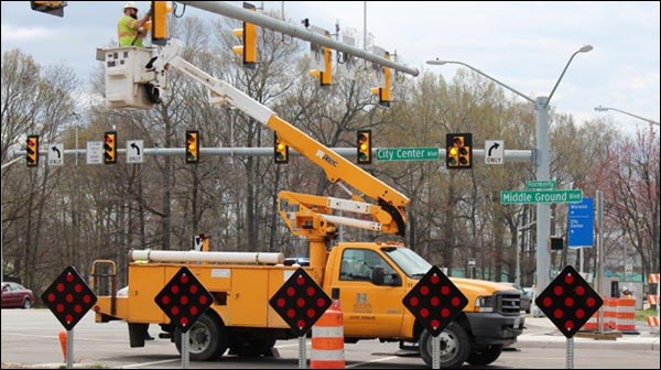 traffic-signalization-bucket-truck